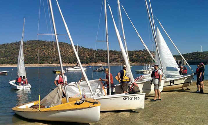 Curso de formación, barco velero en el pantano de san Juan