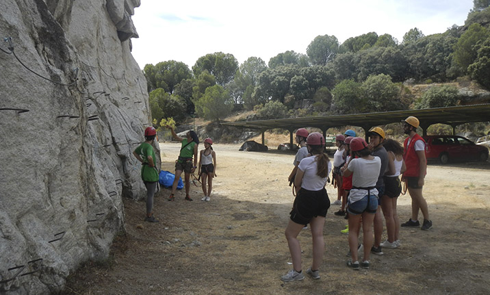 Curso de formación, iniciación vía ferrata en el pantano de San Juan