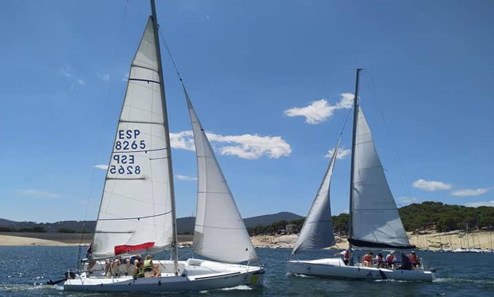 Equipamiento para barco velero en el pantano de San Juan de Madrid