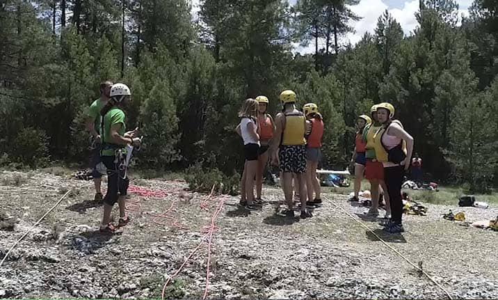 Actividad para grupos, multiaventura en la sierra Cuenca