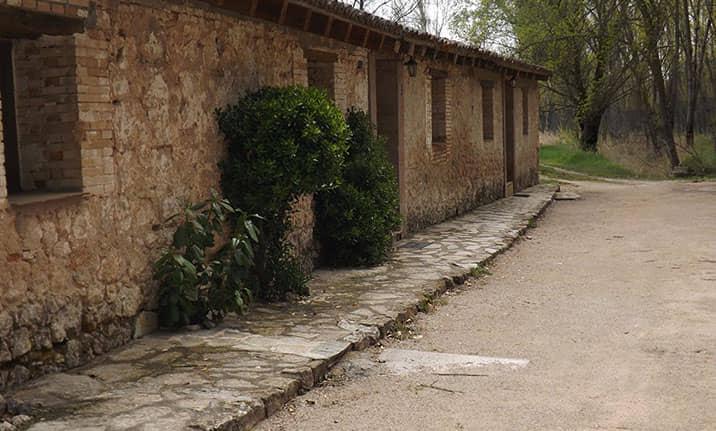 Habitaciones múltiples con baño en la sierra norte de Guadalajara, Asdon Aventura
