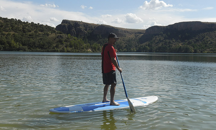 Paddle surf en el pantano de San Juan de Madrid