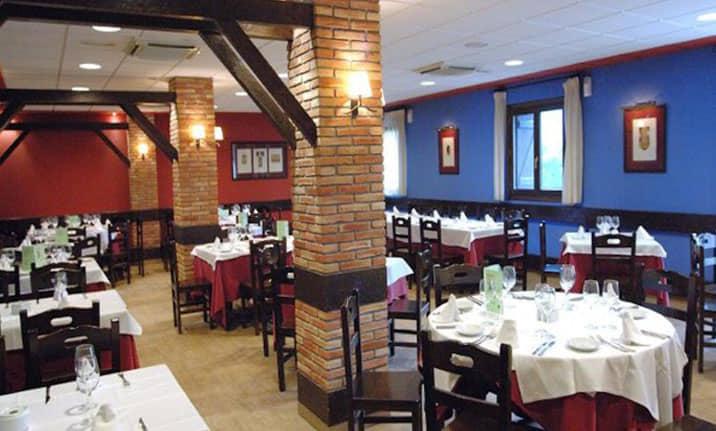 Restaurante y cafeteria en Gavin, Asdon Aventura Pirineos