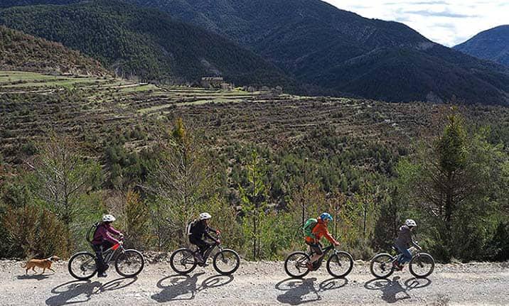 rutas-guiadas-ebike-pirineos-asdon-aventura