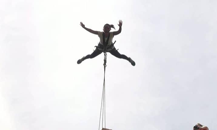 Salto extrem (salto desde barandilla), Asdon aventura