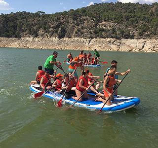 Big paddle surf en el pantano de San Juan, empresas y Team Building